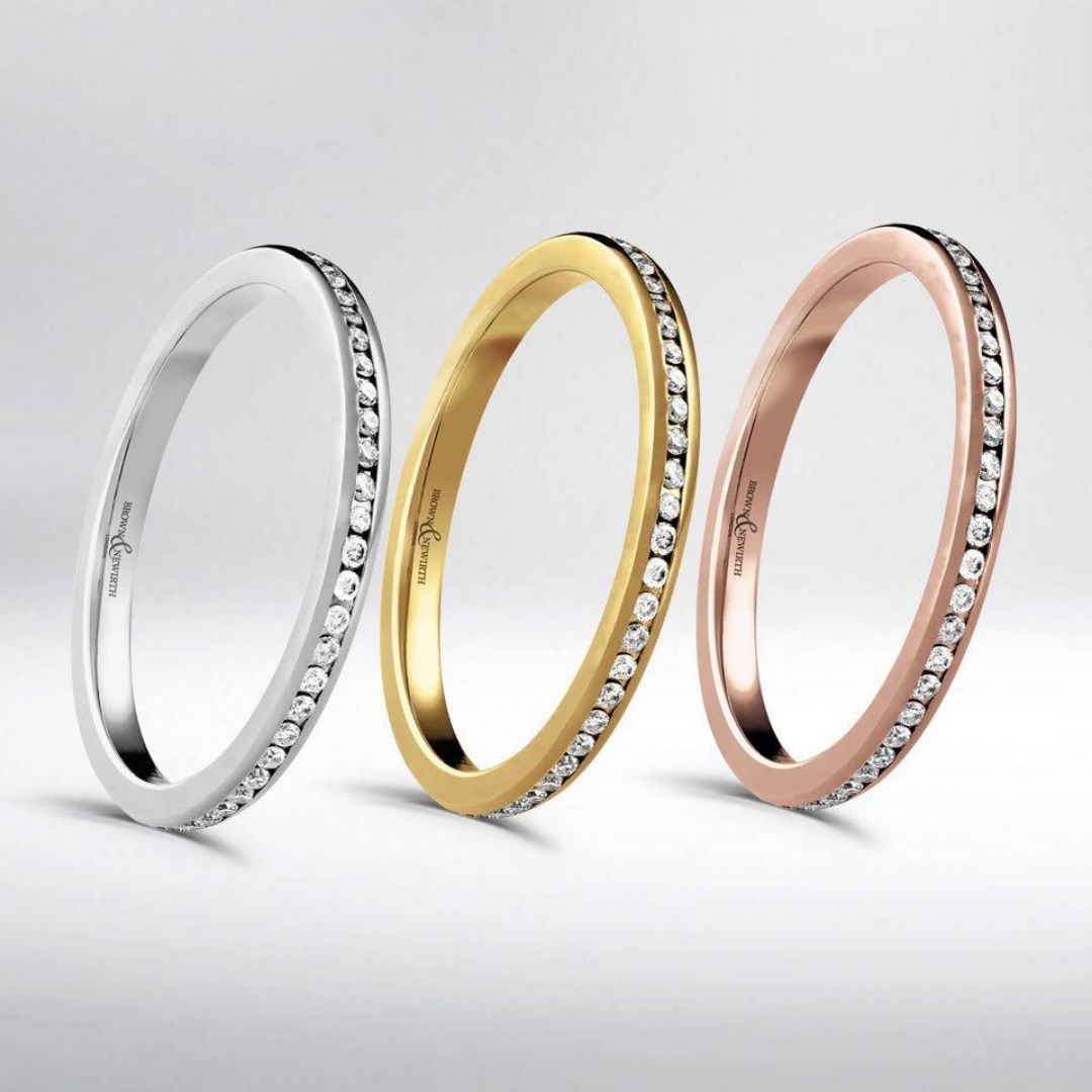 Brown & Newirth Delta Wedding bands in white, yellow and rose gold