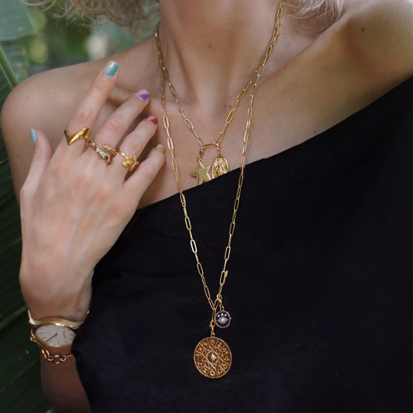 In chains: How to wear a jewellery classic
