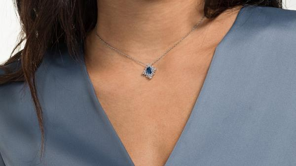 September birthstone gifts - Sapphire